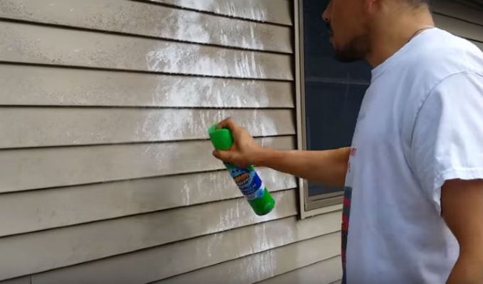 clean vinyl siding without pressure washer