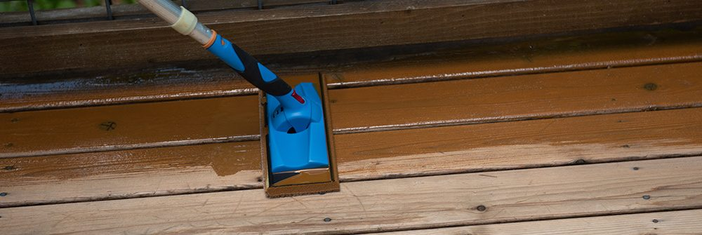 staining wet wood