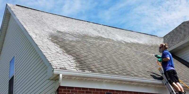 Roof pressure washer cleaning